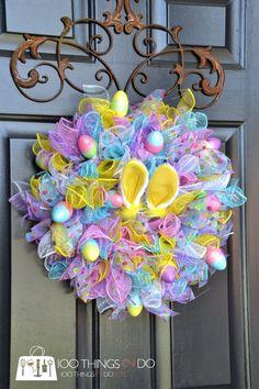 Easy Easter Wreath - using dollar store items | 100 Things 2 Do Wreath Crafts, Diy Wreath, Wreath Ideas, Jar Crafts, Burlap Wreath, Diy Easter Decorations, Easter Centerpiece, Easter Wreaths Diy, Diy Spring Wreath