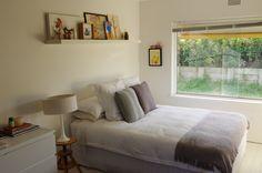 like the idea of shelf above bed