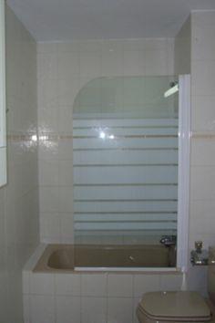 Bathroom with bath/shower in Las Palmeras 9th floor studio apartment