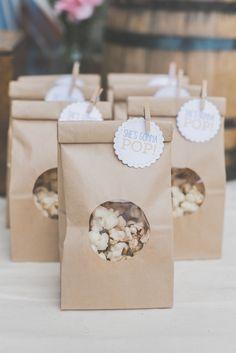 No puede ser mas sencillo y mas bonito, para galletas, chuches o palomitas!. Bolsas a la venta en Dulces Ilusiones.
