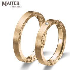 #Alianzas #boda #matrimonio colección #You & I #maiter #oro  rosa mate con los nombres grabados en el lateral. Podeis poner #diamante en el lateral entre los nombres www.joyasmaiter.com