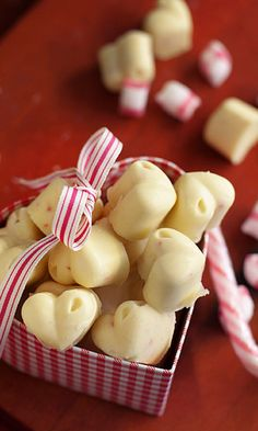 Christmas Candy, Christmas Treats, Candy Recipes, Sweet Recipes, Finnish Recipes, Homemade Candies, Food Gifts, Food Pictures, Food Inspiration