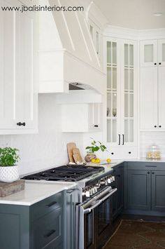 Epic 28 Best White Hamptons Style Kitchens Inspirations (Coastal Style) https://www.fancydecors.co/2017/10/25/28-best-white-hamptons-style-kitchens-inspirations-coastal-style/ The plan begins with the ground, which is normally just plain wood, for a very simple and organic elegance. To create the traditional Hampton style you want to consider the general design. No other traditional design is...