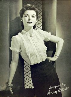 An elegant 1940s ruffle front blouse and slim pencil skirt look. #vintage #1940s #fashion