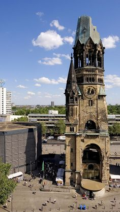 Get a closer look at the Kaiser Wilhelm Memorial Church in Berlin. - Get a closer look at the Kaiser Wilhelm Memorial Church in Berlin. West Berlin, Berlin Wall, Berlin Berlin, Berlin Today, Berlin City, Berlin Ick Liebe Dir, Places To Travel, Places To See, Wonderful Places