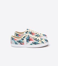 Das Meshgewebe des Veja Sneakers ist aus recyceltem PET hergestellt.  Kundenspezifische Sneakers, Vegane Schuhe dfa3a9ae59