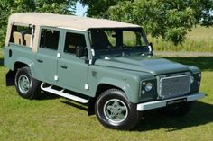 Continue to celebrate Land Rover's generation of tradition with our Icon Heritage LE 110 and 90 wheel base. Landrover Defender, Land Rover Defender 110, Best 4x4, Station Wagon, Range Rover, Military Vehicles, Luxury Cars, Landing, Land Rovers