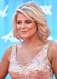Lauren Alaina Shoulder Length Wavy Hairstyle - Hairstyles Weekly lauren alaina new haircut Hair Styles 2014, Medium Hair Styles, Curly Hair Styles, Short Styles, Wavy Haircuts, Girls Short Haircuts, Wavy Hairstyles, Wedding Hairstyles, Latest Hairstyles