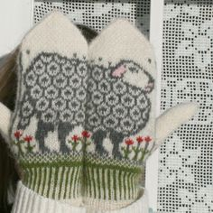 Sheep Mittens, with ram on the palms