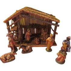 Thatched Roof and walls Nativity Set - X-16-4