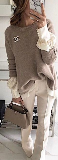Outfits: 50 Classy Spring Outfits To Inspire You Gray Chanel sweater and white dress pants holding gray leather handbag.Gray Chanel sweater and white dress pants holding gray leather handbag. Mode Outfits, Fashion Outfits, Womens Fashion, Gray Outfits, Dress Fashion, Stylish Outfits, Fashion Clothes, Casual Outfits 2018, Over 40 Outfits