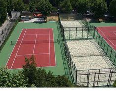 Dos pistas de padel y dos pistas de tenis en la Escuela de Ingenieros Industriales en Madrid.