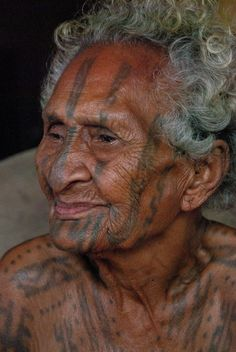 Agaru - proudly tattooed | She is one of the last Motu women with an all-body tattoo. Gaire village, Papua New Guinea