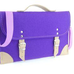 Etoi. Handmade leather and felt sleeves, cases, bags.