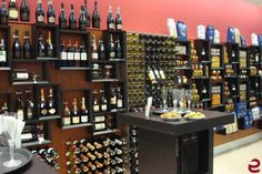 Arredamento di design Esigo per enoteca a Verona - Esigo design wine furniture_Wine shop in Verona #portabottiglie #enoteca #winerack #wineshop #furniture