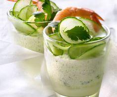 La mousse légère concombre, crevette et coriandre, une recette signée Cyril Lignac