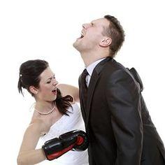 http://vrijgezellenspelactiviteiten.nl/wp-content/uploads/2015/04/Bride-versus-Groom.jpg