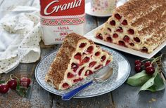 Cusma lui guguta cu visine - reteta video | JamilaCuisine Cherry Cake, Sour Cherry, Jacque Pepin, Sour Cream, Delicious Desserts, Sweet Treats, Good Food, Rolls, Sweets