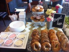 Brunch Bar ~ Bagels and a Variety of Cream Cheese Spreads Brunch Bar, Brunch Buffet, Party Buffet, Breakfast Buffet, Best Breakfast, Brunch Food, Brunch Decor, Sunday Breakfast, Bagel Bar