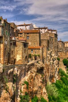 Pitigliano (Grosseto), Tuscany, Italy ...so gorgeous holy wowza