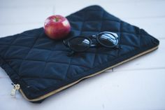 DIY quilted laptop sleeve (or clutch)