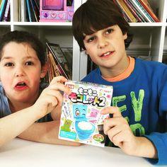 Hoy en #thecrazyhaacks Mateo y Daniela prueban la chuche japonesa TOILET CANDY #mokomoko #japanesefood #japanesecandy #dulcesjaponeses NO OS LO PERDÁIS!