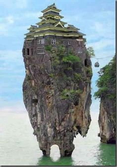 61 The Most Bizarre And Weird Houses around the world
