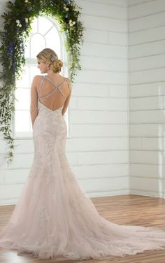 Just arrived...this Essense of Australia gown D2403.  Available at The Perfect Dress of Sarasota.  Call us at 941.925.5888 to schedule your appointment with our bridal experts.  10/2017