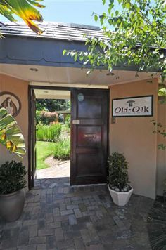 View all the accommodation listings tagged old oak on the Cape Town Advisor website. Cape Town, Relax, Outdoor Decor, House, Home Decor, City, Homemade Home Decor, Haus, Interior Design