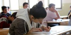 MEB'in, destekleme ve yetiştirme kurslarına devam 12'nci sınıf öğrencilerinin kazanım durumlarını görebilmeleri amacıyla başlattığı elektronik değerlendirme sınavının ilki Antalya'da gerçekleştirildi.