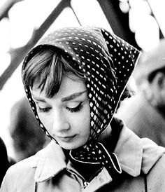 """summers-in-hollywood: """"Audrey Hepburn on the set of Funny Face, 1957 """" Divas, Carolina Herrera, Classic Hollywood, Old Hollywood, Audrey Hepburn Mode, Aubrey Hepburn, Fair Lady, Teddy Boys, Photography Poses"""