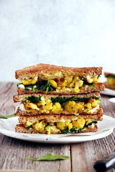 There is nothing quite like a gooey, crispy grilled-cheese sandwich. This one is loaded with curried cauliflower, fresh baby spinach, and vegan cheese. Cauliflower Recipes, Beurre Vegan, Food For Memory, Veggie Recipes, Drink Recipes, Easy Recipes, Healthy Recipes, Veggie Food, Recipes