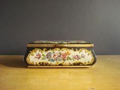 Large Vintage Flower Tea Tin  Tin Jewelry Box  by HappyGoVintage