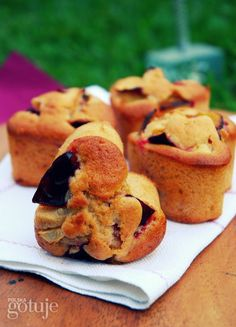 Muffinki ze śliwkamii cynamonem