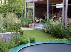 trampoline tuin groen