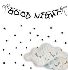Banderola Good Night de 120x26cm y 50 estrellas de tamaños entre 3x3cm y 5x5cm aprox.  DIY, coloca las estrellas como más te guste.