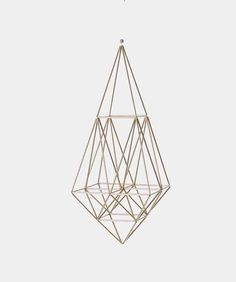 DIY with gold painted straws and elastic cord or string? Geometric Shapes Art, Geometric Sculpture, Geometric Decor, Diy Arts And Crafts, Eclectic Decor, Gold Paint, Diy Projects To Try, Valentine Day Gifts, Valentines
