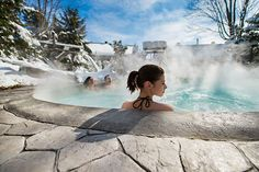 Nestled in the heart of nature, 5 minutes from downtown Magog, Spa Nordic Station hugs the edge of Castle River. Its rustic architecture gives it a unique and warm character. Spa, Weekend Trips, Quebec, Architecture, Belle Photo, Niagara Falls, Places To Go, Photos, Castle