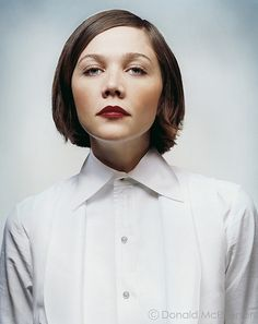 maggie gyllenhaal stunning and a great actress.