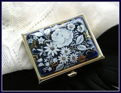 FLORAL PORCELIAN COMPACT Pill Box Blue with White Gold Color Flowers