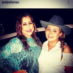 Alcaldesa Diana Marcela Rodriguez Suarez y @arelyshenao en las Ferias y Fiestas de #MedinaCundinamarca (foto  cortesía: Arelys Henao)