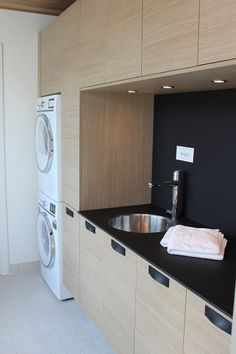 The Best 2019 Interior Design Trends - Interior Design Ideas Laundry Nook, Laundry Room Layouts, Laundry Decor, Laundry In Bathroom, Laundry Room Design, Kitchen Design, Living Room Designs, Living Room Decor, Modern Laundry Rooms