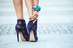 Hot Heels - Secrets of stylish women