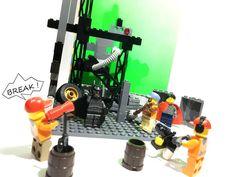 B e h i n d  T h e  S c e n e s  #lego #legomovie #dawnofjustice #legominifigures #photography #legostagram #moc #minifigures #camera #instagram #photo #toyphotography #behindthescenes #studio #casting #crew #break #bricknetwork #brick #bricklink #legostore #art #natgeo #grid #starwars #stormtrooper #hd #shot #toys by victor_taher