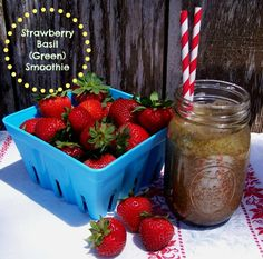 Strawberry Basil Green Smoothie #FreshFinds