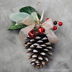 Resultado de imagem para adornos navideños con cocos de pino