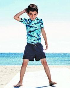 at - UV-Shirt Alligator Pool, Molo Kids Pretty Boys, Cute Boys, Uv Shirt, Barefoot Kids, Kids Photography Boys, Gorgeous Feet, Kids Fashion Boy, Beachwear, Swimwear