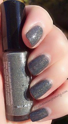 Rainbow Honey Grayscale NOTD #daydreambeauty #glitterpolish #bblogger #bellashoot