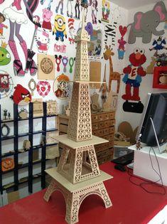 Eiffel tower cake stand por promacraft en Etsy
