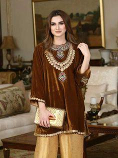 Fancy Dress Design, Stylish Dress Designs, Designs For Dresses, Pakistani Fashion Casual, Pakistani Wedding Outfits, Pakistani Dresses, Velvet Pakistani Dress, Pakistani Dress Design, Lehenga Choli